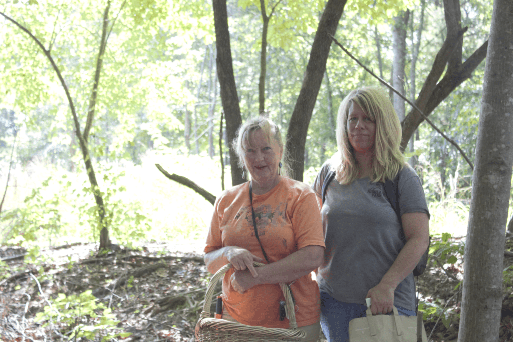 mushroom foragers of Georgia, two women with baskets