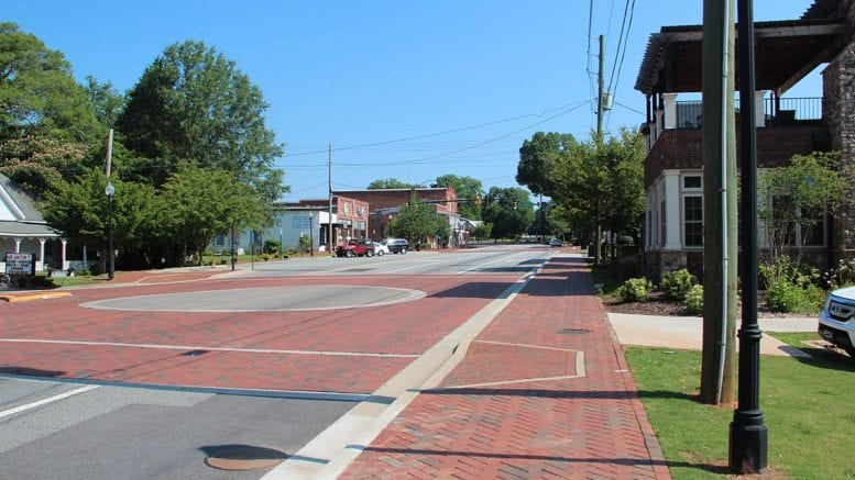 Main Street in downtown Kennesaw -- in aricle on proposed Kennesaw entertainment districts
