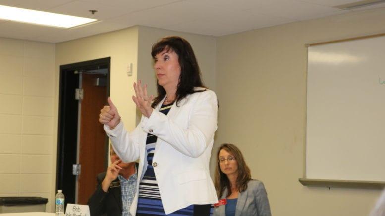 Dawn Randolph speaks at Sierra Club forum in Cobb County (photo by Larry Felton Johnson)