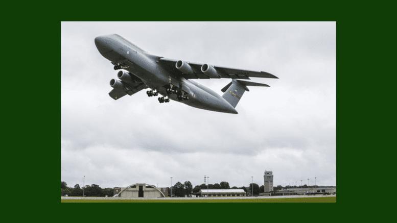 C5-M, Lockheed Martin, photograph by Andrew Mcmurtrie. (PRNewsfoto/Lockheed Martin Aeronautics Com)