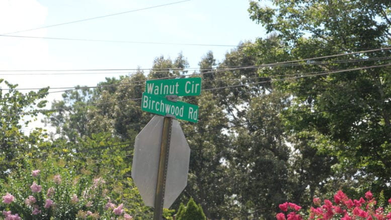 Walnut Circle road sign where a robbery near Hicks and Austell roads occurred